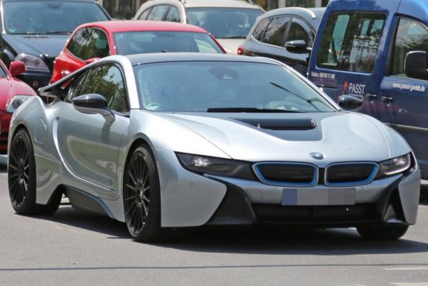 Nem lesz benzinmotor a BMW sportkocsijában