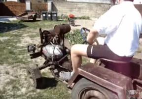 A magyar falusi lét tipikus pillanata csettegővel
