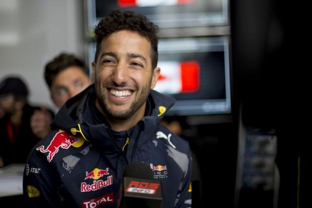 F1: Ilyen, amikor Ricciardo németül hebeg-habog