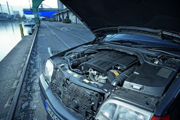 Az 500-asban monumentális és nyugodt V8-as dolgozik