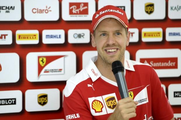 F1: Vettel csak nevet a spekuláción