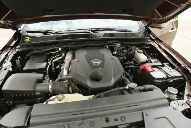 Egy turbóval 160, kettővel 190 lóerős a 2,3 literes dízelmotor