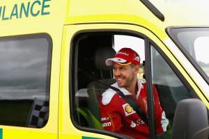 Vettel csalással nyert egy mentő volánja mögött