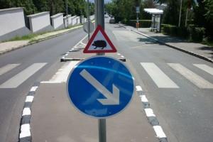 Olyan KRESZ-tábla van Budapesten, amilyen még soha