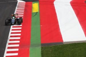F1: Gyilkos kerékvetők, körrekord az edzésen