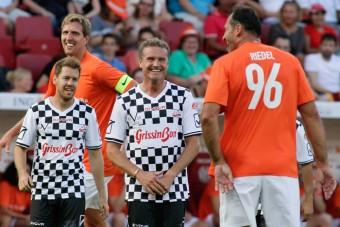 F1: Óriások ellen fociztak Vettelék