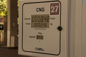 Rákaptak a magyarok az olcsó üzemanyagra