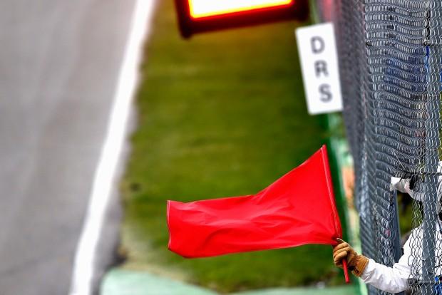 f1_piros_zászló
