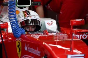 F1: Új sisakkal versenyez Vettel és Rosberg