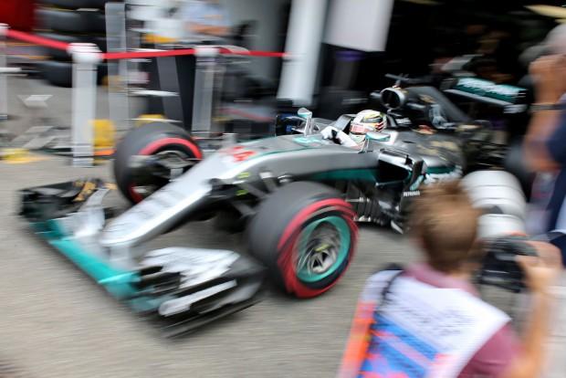 F1: Hamilton megúszta a büntetést