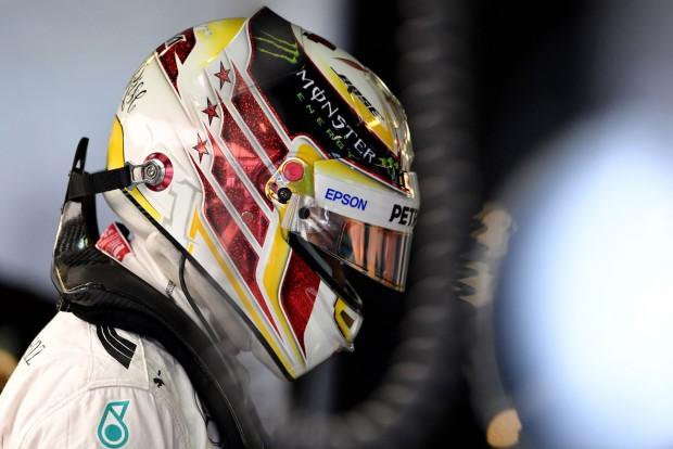 F1: Hamilton a falnak ment a Hungaroringen