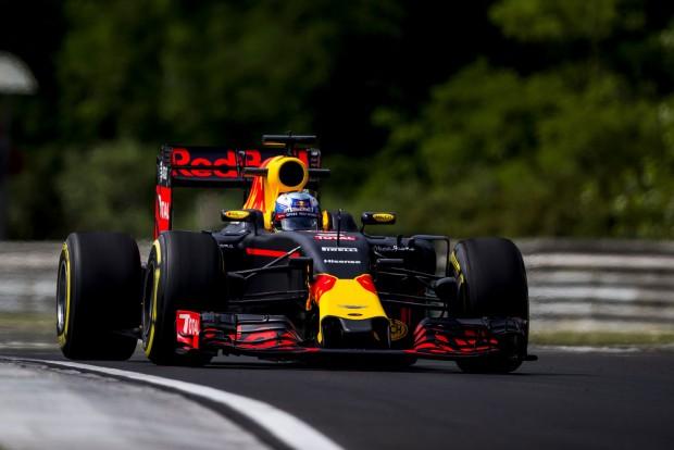 F1: Ricciardo a dobogót célozza