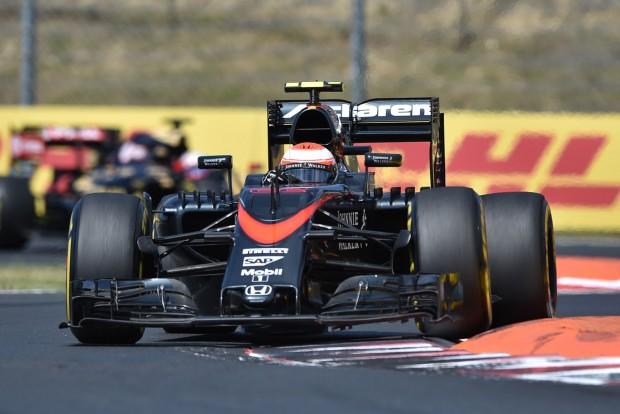 F1: Button nem érti a büntetést