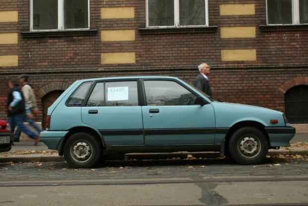 Nem a mechanika áll meg, hanem a karosszéria és az alváz esik szét az öreg japán autókon