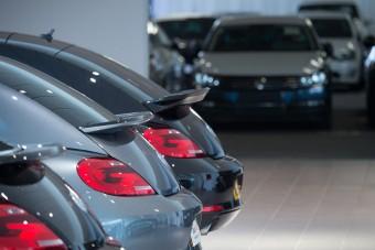 Veszít a VW, jól megy az új Astra