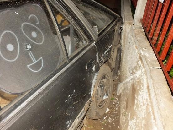 Részegen vitte el az autót, majd összetörte