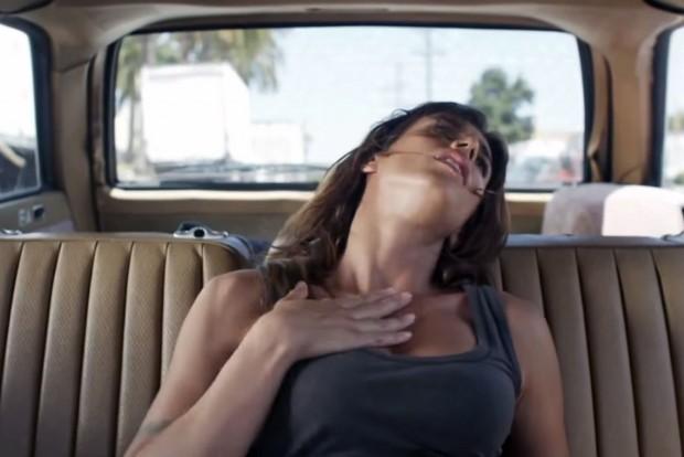 Top 10.: Autók, amiket szex-szel próbáltak eladni