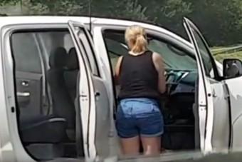 Ez az osztrák nő úgy mos autót, hogy megőrülsz