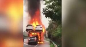 Tűzbe ment, életét kockáztatta egy új autóért