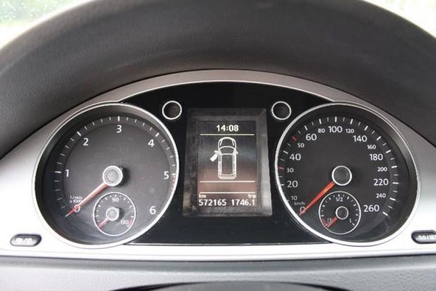 Kihagytuk az átlagszámításból a taxikat, csak érdekességképp: 2012. júliusi autó, 572 000 kilométerrel. Ez évi 143 000 kilométernek felel meg