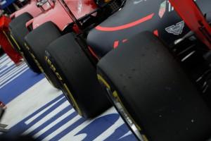 F1: Prototípus gumik a szabadedzéseken