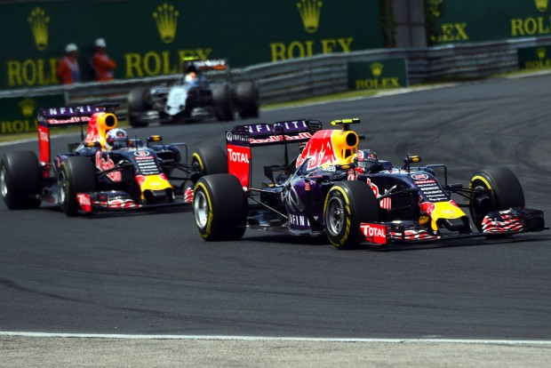 F1: A Red Bullnál garantált a pilótabalhé
