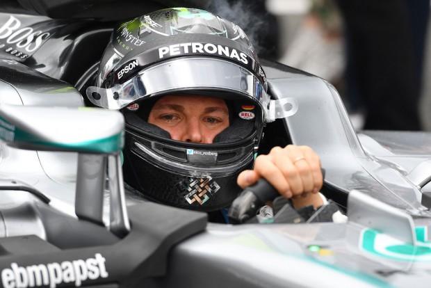 F1: Visszakozott a Mercedes, marad a büntetés