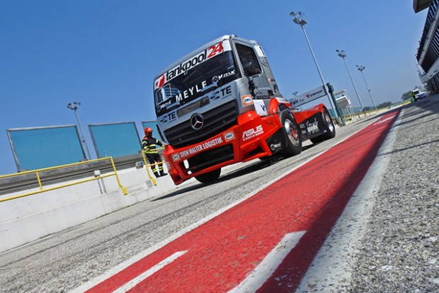 truck01-640x426px