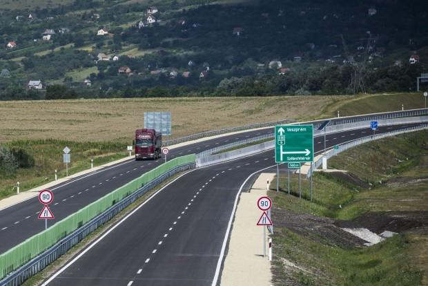 útépítés 8-as MTI2