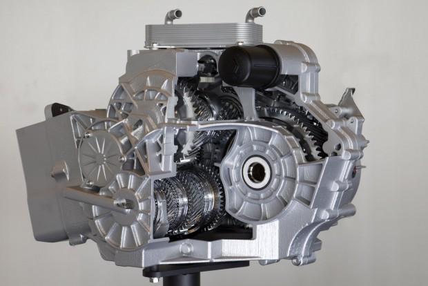 10 fokozatú automatikus sebességváltó: alig nagyobb áttételi tartományt fed le, mint a 8 vagy 9 fokozatúak, de többnyire nehezebb és bonyolultabb konstrukció náluk