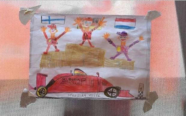 Magyar rajongó rajza Vettel garázsában