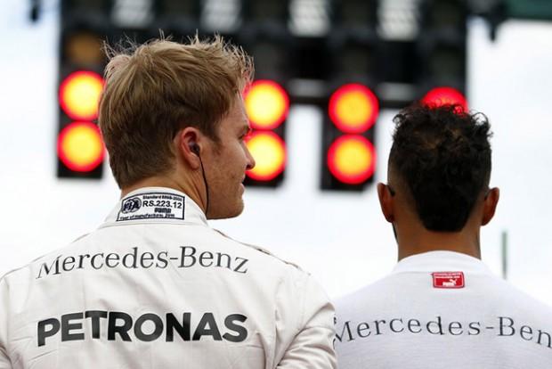 F1: A főnök panaszkodik a Rosberg-Hamilton párosra