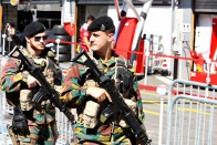 F1: Katonák lepték el a belga pályát