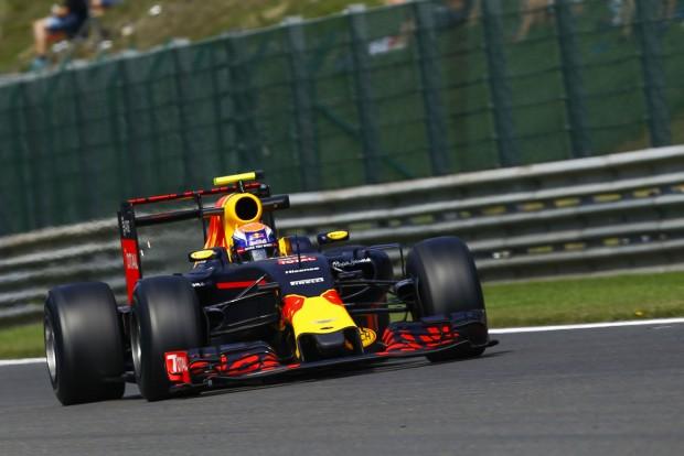 F1: Rágalom, hogy szabálytalan a Red Bull autója