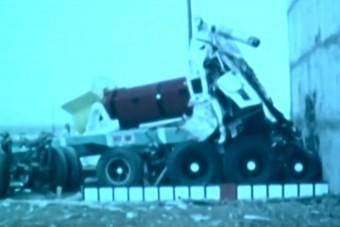 Rakétahajtású mozdonyt lőttek egy atomhulladékot szállító kamionnak