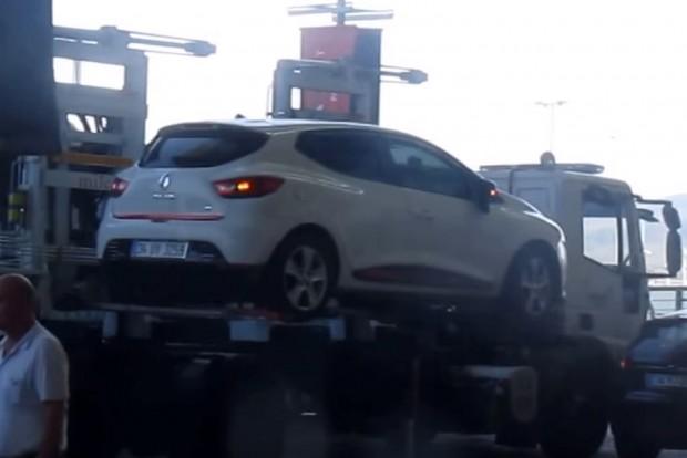 """Ez a """"lopósautó"""" egy szempillantás alatt eltünteti a kocsikat"""