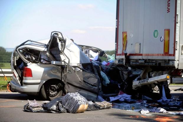 Megrázó fotók az M5-ösön történt halálos balesetről