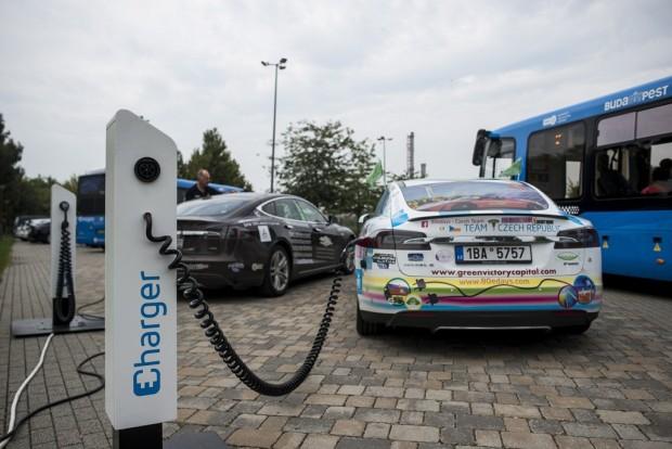 1100 villanyautó-töltő épülhet Budapesten