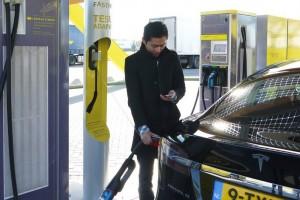 Hollandia betilthatja a benzin- és dízelmotorokat