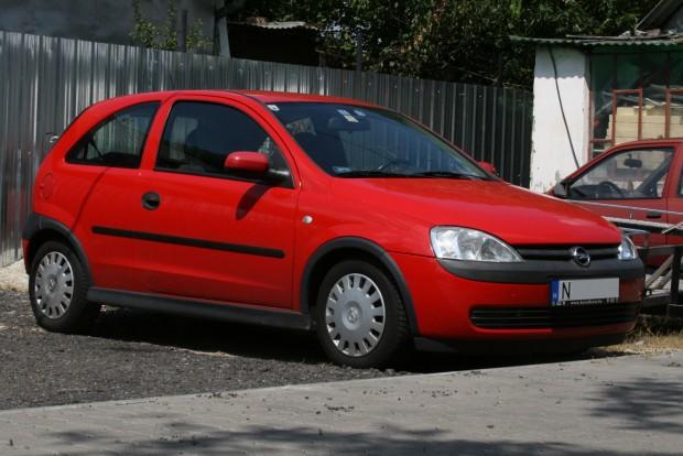 Ezres, Euro 4-es motorja miatt a behozatal csekély költségekkel jár. A regadó 21 600 Ft, a vagyonszerzési illeték 19 350