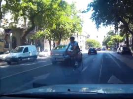 Videó bizonyítja: tahó bringásból bőven akad Budapesten
