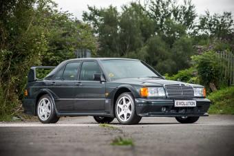 Eladó minden idők egyik legkívánatosabb Mercedese