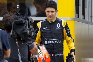 F1: A Renault-nál lobbizik a Mercedes-főnök