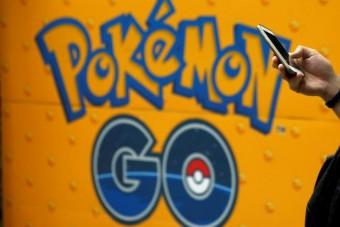 Pokemon Gót játszott, gyalogost gázolt a kamionos