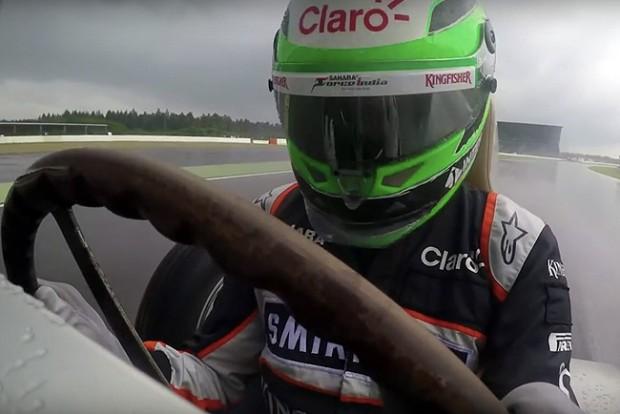 Ilyen, amikor régi autókkal szívnak mai F1-pilóták