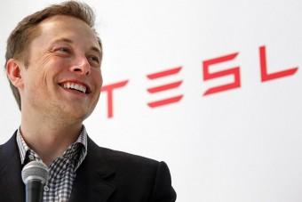 Továbbra is iszonyúan veszteséges a Tesla