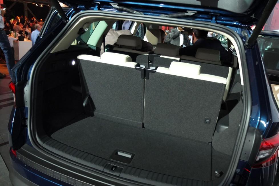Három üléssorral is marad csomagtartó