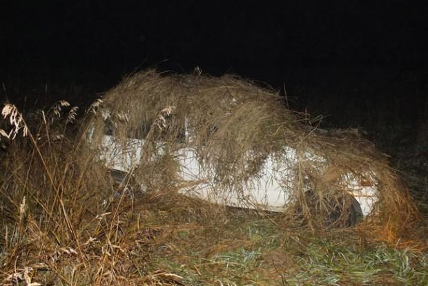 Egy rakás fű alá rejtették a lopott autót Endrefalván
