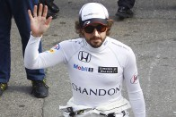 F1: Alonso könyvet ír, nem pokémonozik