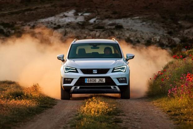 150 lóerős motortól rendelhető összkerékhajtás az autóhoz, a 190 lóerős TDI alapáron négykerék-hajtású